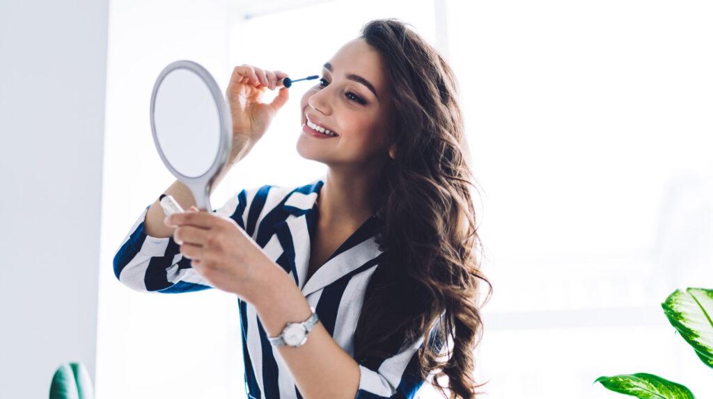 Campaigns We Love: Glossier Lash Stick Mascara & Surprising OOH Advertising