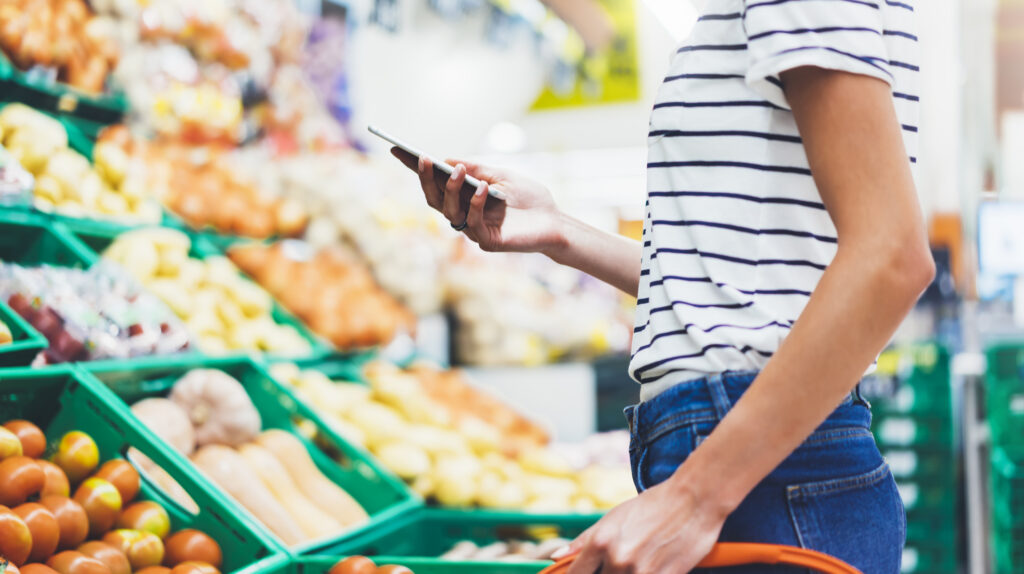 ALDI and Lidl: Comparing Store Foot Traffic & Buyer Personas